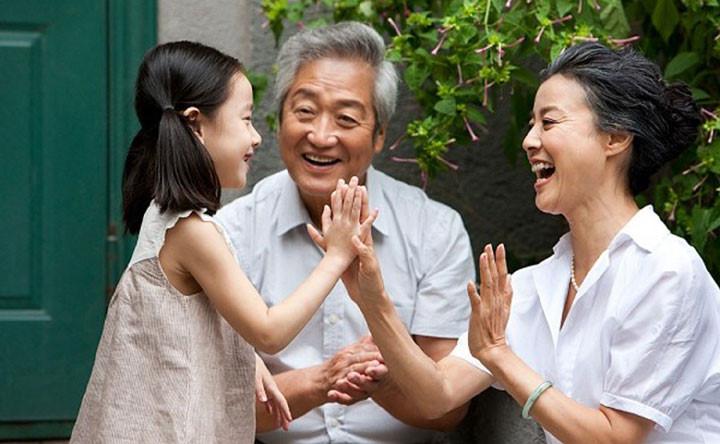 Dùng Hoa đà tái tạo hoàn Trung Quốc hộp 500 viên bảo vệ sức khỏe