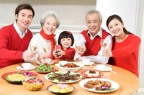 nước hồng sâm hàn quốc hộp 30 gói là sản phẩm bổ dưỡng phù hợp với nhiều đối tượng