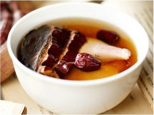 dùng nấm linh chi thượng hoàng nấu canh bồi bổ sức khỏe
