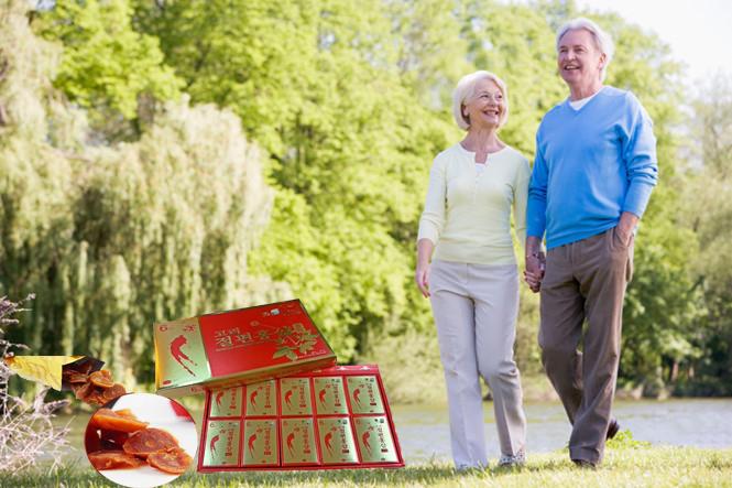hồng sâm tẩm mật ong giúp người già khỏe mạnh