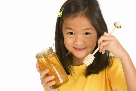Trẻ em dưới 14 tuổi không nên dùng nhân sâm ngâm mật ong