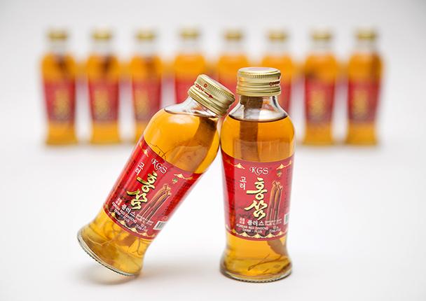 Nước uống hồng sâm có củ KGS chiết xuất từ hồng sâm,  đại táo, đường quy.