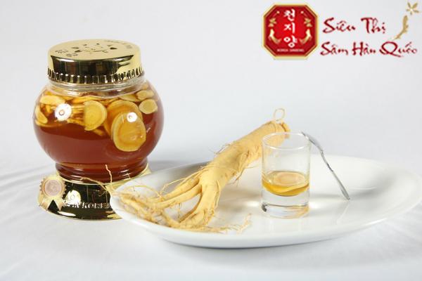 uống sâm ngâm mật ong giúp làm đẹp da