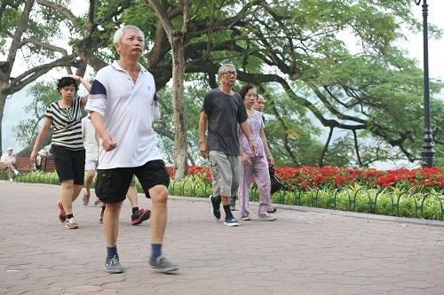 Đi bộ là cách phòng ngừa bệnh đột quỵ hiệu quả