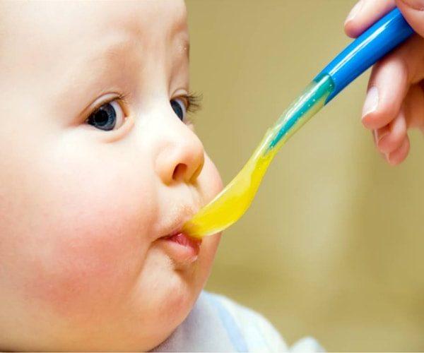 trẻ em phát triển toàn diện khi sử dụng nước hồng sâm