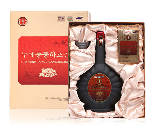 chọn nước đông trùng hạ thảo silkworm dongchoonghacho làm quà cho sếp nữ nghỉ hưu